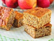 Рецепта Бърз и лесен обикновен кекс / сладкиш с настъргани ябълки, канела и орехи на фурна
